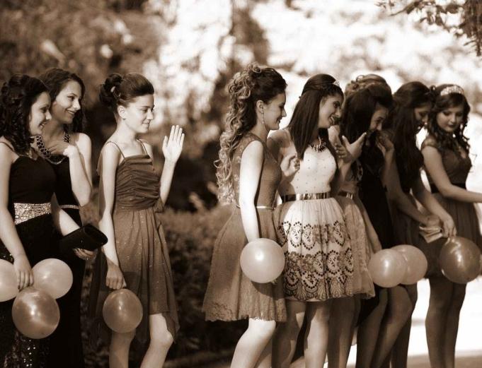 dress fashion friends girls