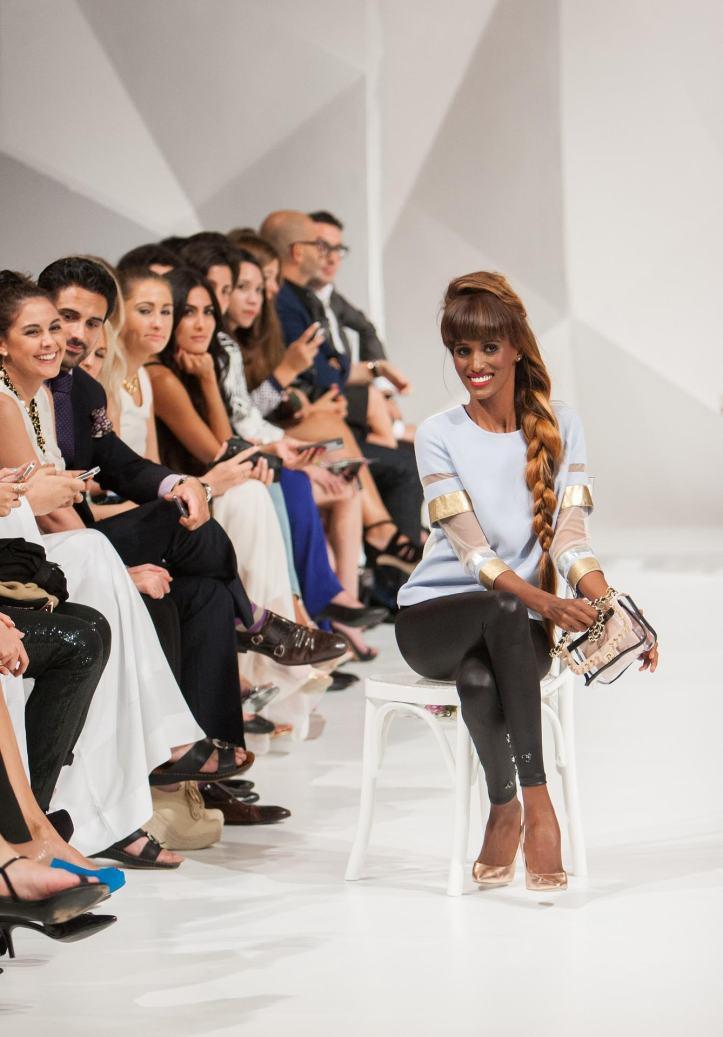fashion-show-1746585_19201