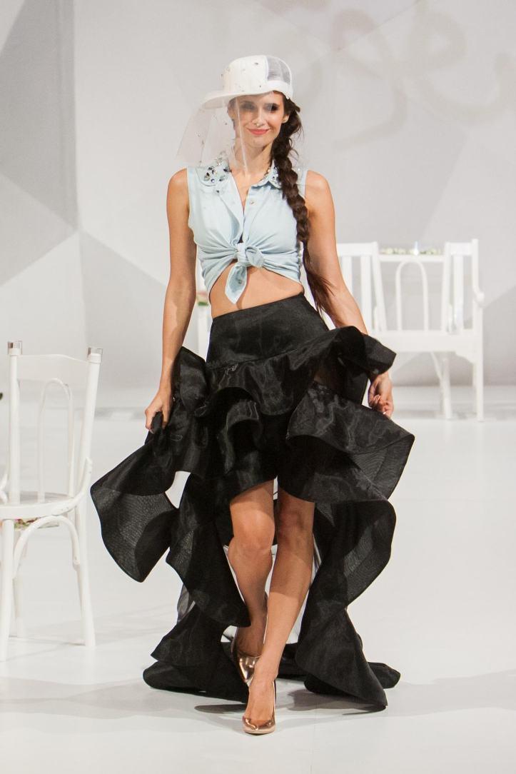 fashion-show-1746610_19201